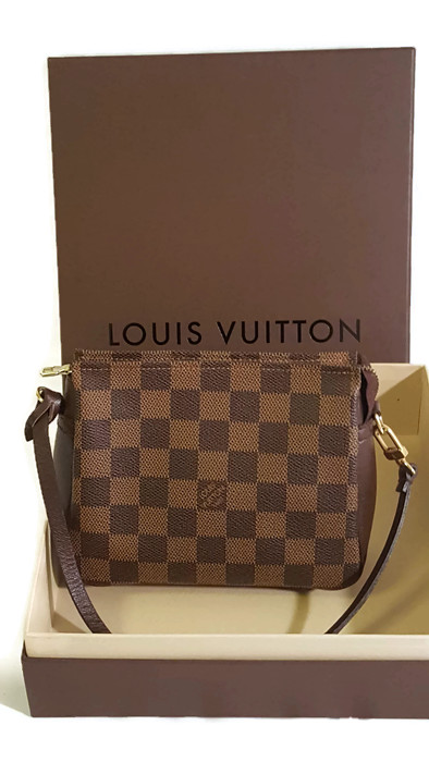 055c3f3fed01 Louis Vuitton Damier Trousse Makeup Pouch - BkaysVintage